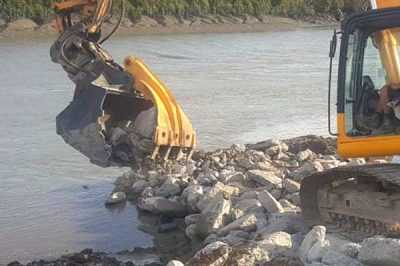 Excavator-rock-bucket-with-thumb,-hydraulic-360-degree-rotating-grapple
