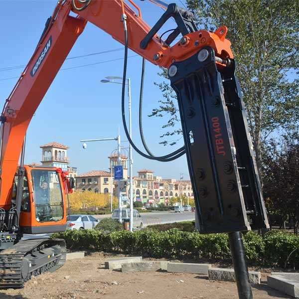 excavator-backhoe-hydraulic-breakers-hammers-for-construction-equipment