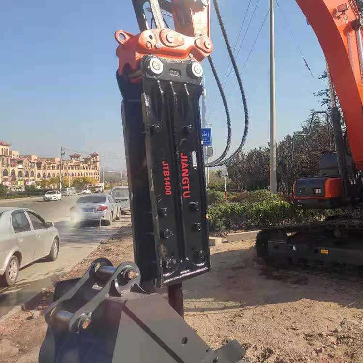 hydraulic-breaker-excavator-attachments for demolition-JIANGTU