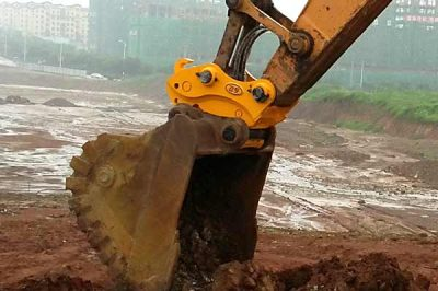 Backhoe-&-Excavator-Quick-Couplers-for-every-type-of-bucket