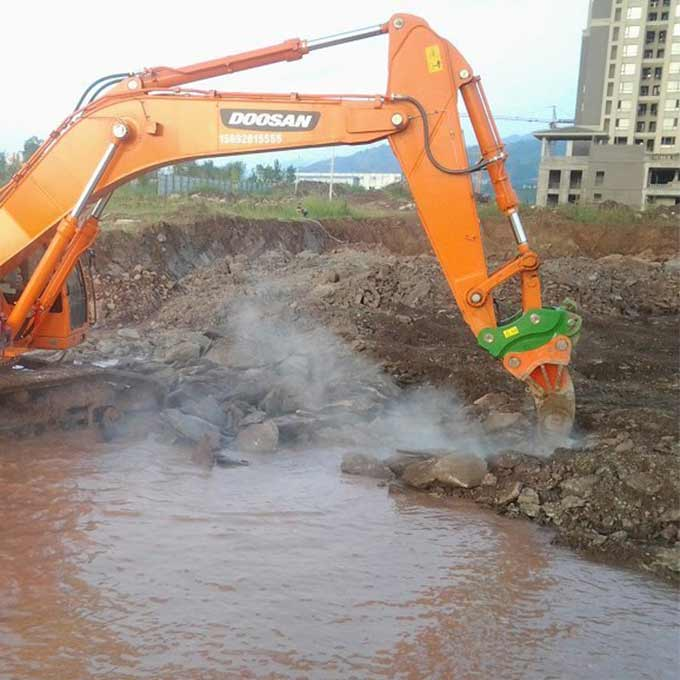 mini-excavator-bucket-quick-coupler