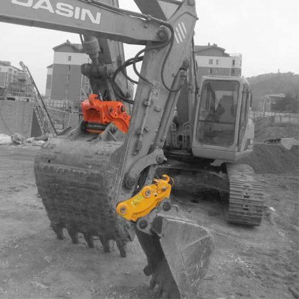 mini-excavator-hydraulic-quick-coupler-jiangtu-attachment