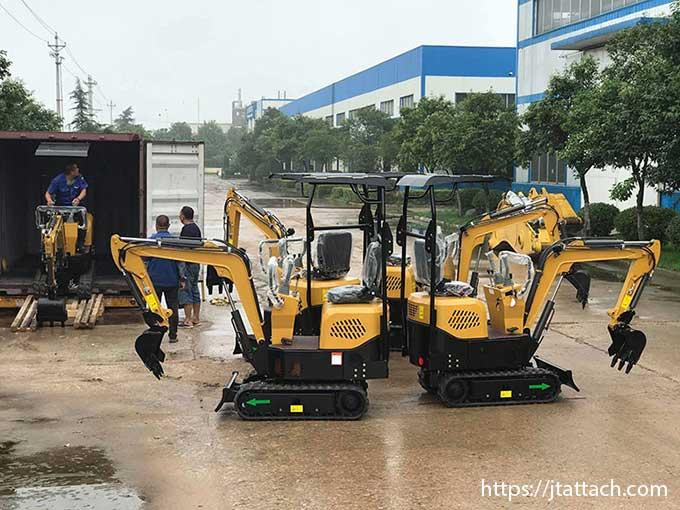 transport-of-smallest-mini-excavator-jiangtu-ever-made