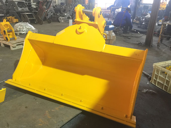 New-excavatordigger-tilt-bucket-for-sale-in-China-JIANGTU-tilting-ditch-cleaning-buckets