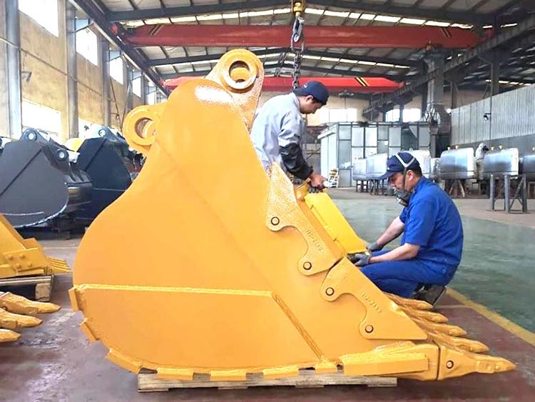 Work-scene-of-hydraulic-excavatorbackhoe-rock-bucket-us-china-dealers
