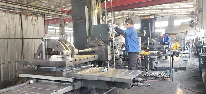 Work-scene-of-Woods-Log-Stone-Grapple-manufacturer-China